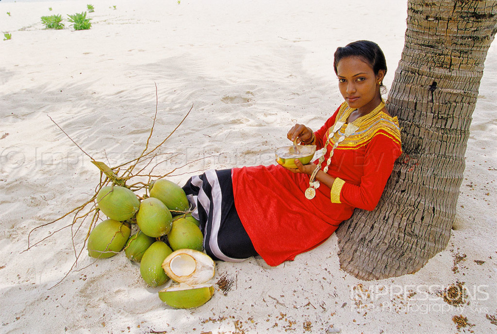 photo of the people of maldives young Maldivian lady in traditional dress local island